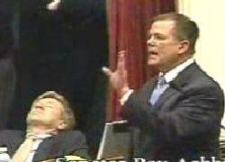 Американский политик заснул во время саммита