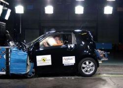 Toyota iQ получила пятерку на краш-тестах
