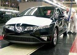 Производство автомобилей в Великобритании сократилось в два раза