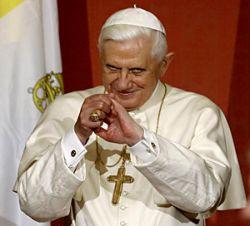 Бенедикт XVI: Cтремление к красоте - угроза для человечества