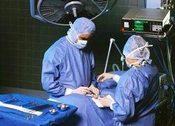 Хирурги научились делать операции через пупок