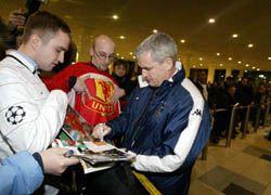 """Игрокам \""""Манчестер Юнайтед\"""" запретили раздавать автографы"""