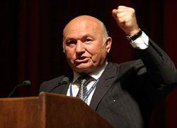 Лужков пообещал увольнять чиновников за бюрократизм