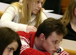 Кризис заставит российских студентов учиться