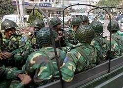 В столице Бангладеш недовольные зарплатой пограничники развязали бой