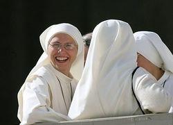 Итальянец сменит пол, чтобы постричься в монахини и уйти в монастырь
