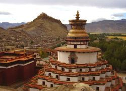 Туристов опять не пускают в Тибет