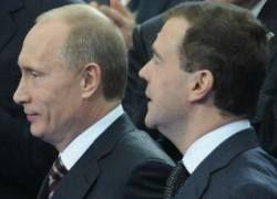 Россиян, уверенных, что Путин главнее Медведева, стало вдвое больше