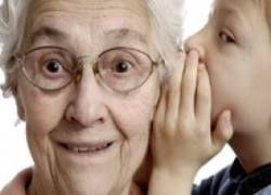 Общение с бабушками и дедушками прививает детям социальные навыки