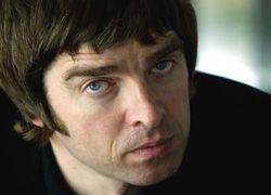 Лидер группы Oasis получил премию за лучший блог