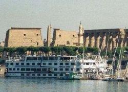 В Египте потерпел крушение плавучий отель