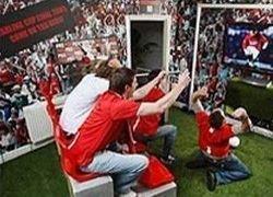 Футбольный фанат переделал свой дом в стадион