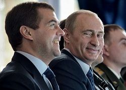 В феврале Медведев впервые опередил Путина по цитированию в СМИ