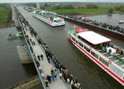 Крупнейший в Европе судоходный мост-канал