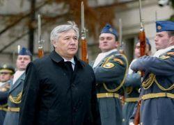 Вслед за министром иностранных дел Украины может отправиться министр обороны
