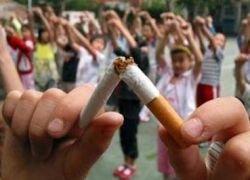 В Китае решили отучить врачей от курения