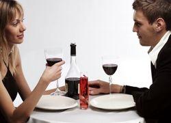 Почему мужчина, оплачивающий ужин, рассчитывает на большее?