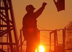 Путин призвал нефтяников снизить цены