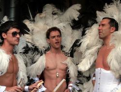 ГУВД Москвы: гей-парады в Москве разрешать нельзя