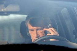 Мобильные телефоны опаснее наркотиков