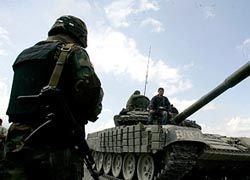 Грузия стянула военных к Южной Осетии