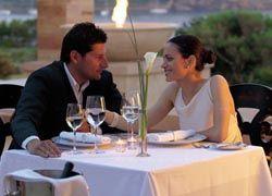 Как устроить романтический ужин для дамы?