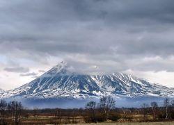 Вулкан Корякский может стать опасным для жизни