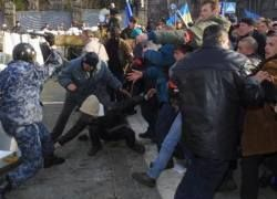 Неуправляемая страна: российские СМИ об Украине
