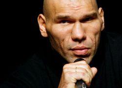 Менеджер Валуева отрицает связи боксера с мафией