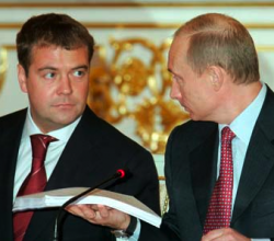 Медведева и Путина ждет стилистический разрыв