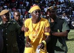 22 болельщика погибло в давке в Кот д\'Ивуара и Малави