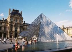 Лувр - самый популярный музей мира