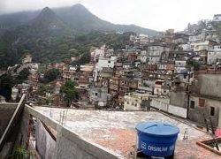 Трущобы Рио-де-Жанейро отгородят бетонной стеной