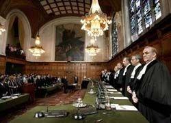 От Гаагского трибунала впервые отстранили судей