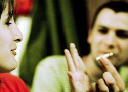 Беременным надо бросить курить за 15 недель