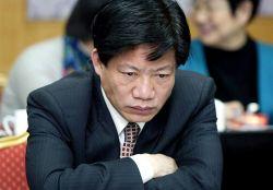 Чиновников Китая обязали продать или купить по квартире