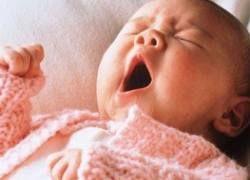 В Москве мать выбросила из окна новорожденного
