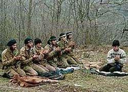 Чеченский боевик получил пожизненное за казнь солдат РФ
