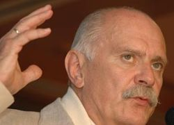Михалков исключает из СК сторонников Хуциева