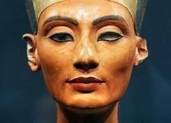"Нефертити сделали \""подтяжку\"""