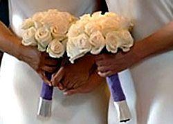 Парламент Швеции 1 апреля разрешил однополые браки