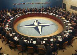 Треть россиян не знают, что такое НАТО