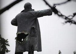 Кто должен решать, каким памятникам стоять в России