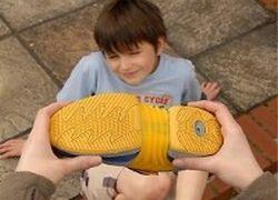 Созданы кроссовки, которые растут вместе с ребенком