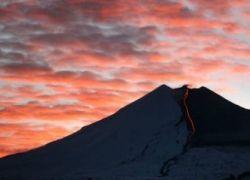 Жителей Чили эвакуируют из-за извержения вулкана