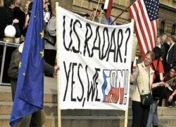 Обаму встречали чешские демонстранты