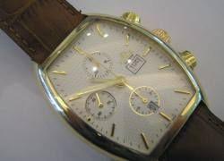 Крупные наручные часы стремительно выходят из моды