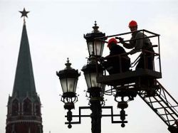 В Москве начали мыть дома и дороги