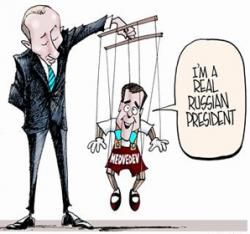 Тандем Медведев-Путин изжил себя