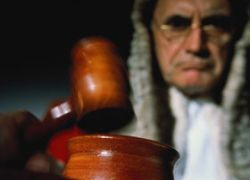 Российские банки завалили суды исками к своим заемщикам